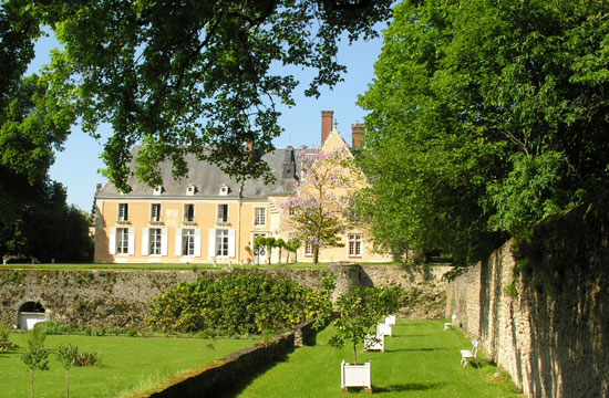 Château de la Barrre.  Copyright Cold Spring Press.  All rights reserved.