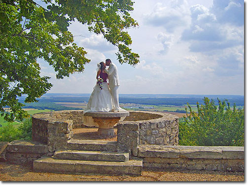 Bride and Groom at Château d'Hattonchâtel