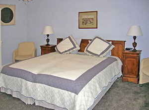 Guest room at Château de Jalnay
