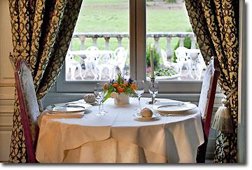Hostellerie Du Château Des Monthairons - Table for two restaurant