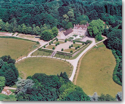 Aerial view of  Château de Villette